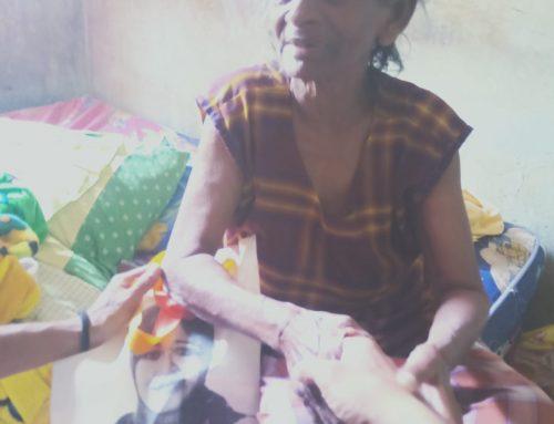 Terima Bantuan Paket Sembako Plus, Penyandang Disabilitas Doakan Intsiawati Ayus
