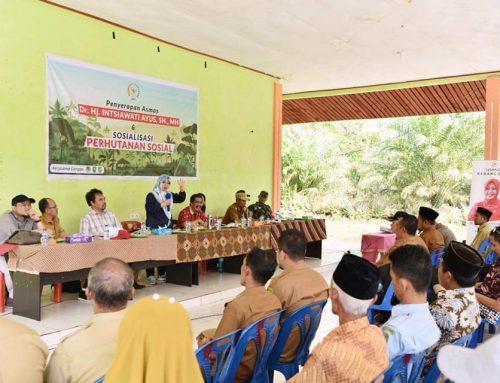 Didampingi Instiawati Ayus, Kelompok Tani Bakti Raya Lukit Dapatkan SK Hutan Kemasyarakatan